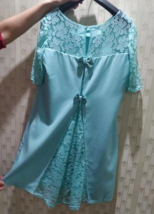 Продам мятное платье