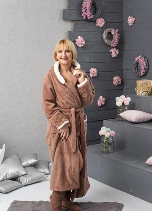 Махровый халат удлинённый с носочками1 фото