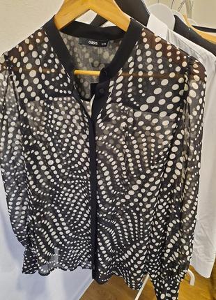 Актуальная блузка в горошек