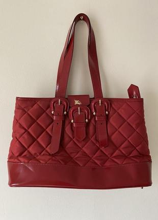 Красная сумка burberry