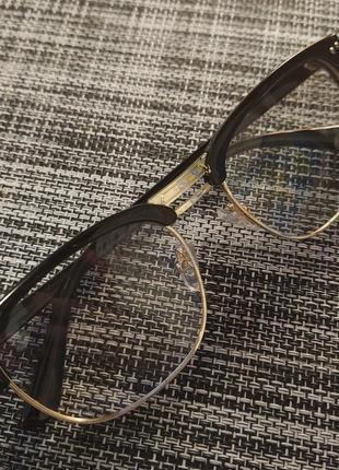 Очки классические с прозрачными линзами