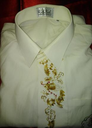 Эксклюзивная рубашка с орнаментом.