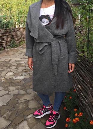 Шерстяное демисезонное пальто