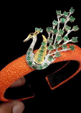 Дизайнерский браслет с натуральными изумрудами