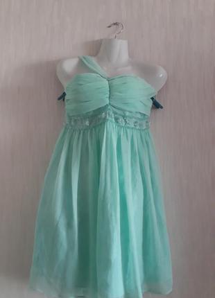 Платье нарядное новое  asos 40 евро размера