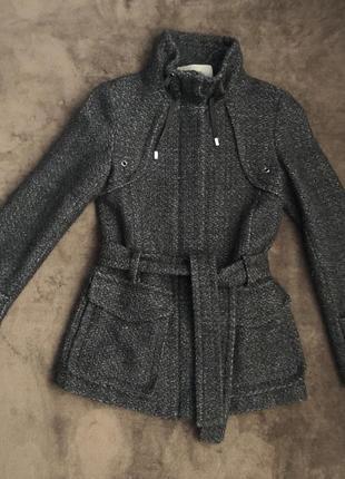 Пальто с пояском zara