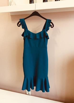 Платье с воланом цвета морской волны