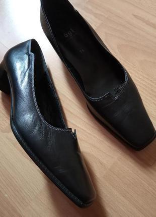 Брендовые,шикарные,кожаные туфли,туфельки,балетки,42р.от бренда hogl