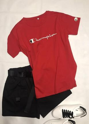 Красная котоновая футболка с логотипом champion