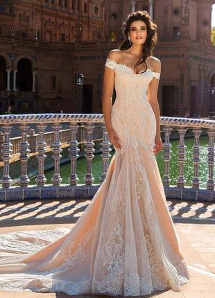 Платье свадебное красивое брендовое шлейф