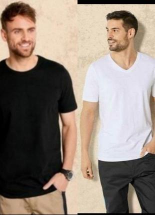 Комплект базовых мужских футболок белая и чёрная livergy xxl 60 /62