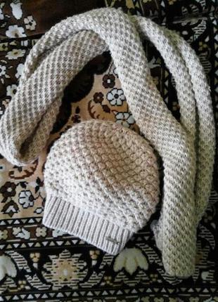 Замечательная шапочка и шарфик + подарок