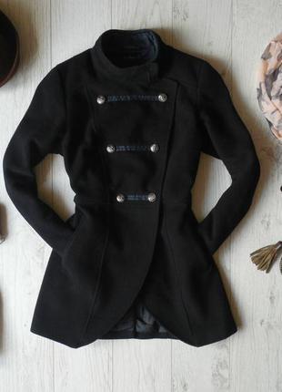 Невероятное шерстяное пальто  kira plastinina
