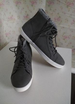 Демисезонные ботинки бренда blue motion