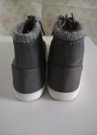 Демисезонные ботинки бренда blue motion4 фото