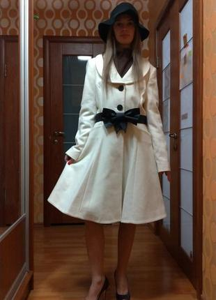 """Белое пальто """"виктория"""" кашемир"""
