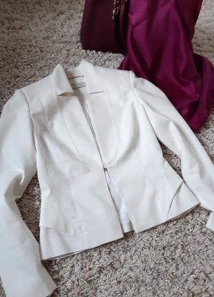 Очень красивый белый жакет/пиджак ,италия, esdeni, p. xs