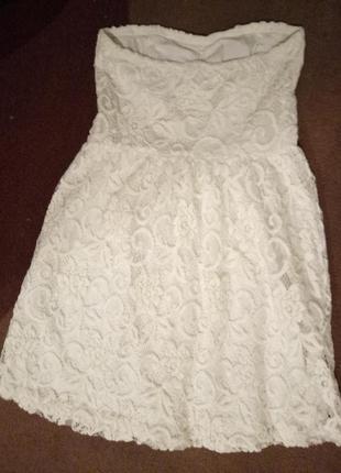 Кружевное платье бюстье