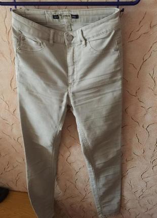 Легкие штаны pull&bear