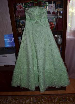 Продаю красивое вечернее платье