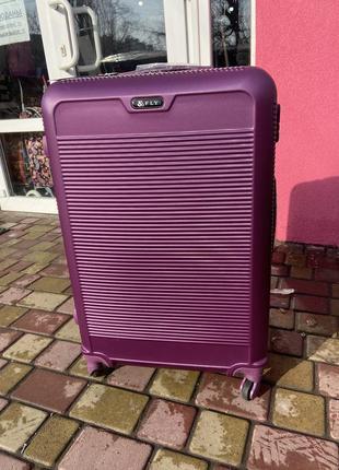 Валіза,чемодан польский поликарбонат