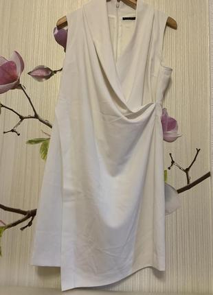 Оригинальное платье sislye