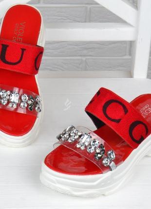 Шлепанцы женские спортивные красные с камнями на платформе4 фото