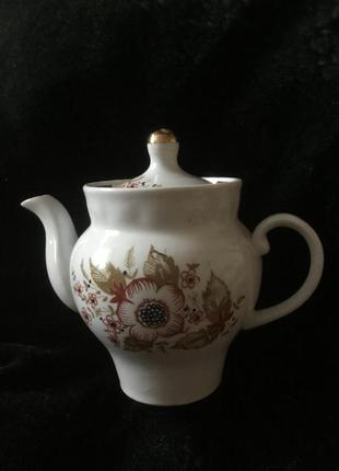 Красивый фарфоровый заварник чайник ссср