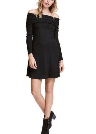 H&m платье мини с открытыми плечами расклешенное