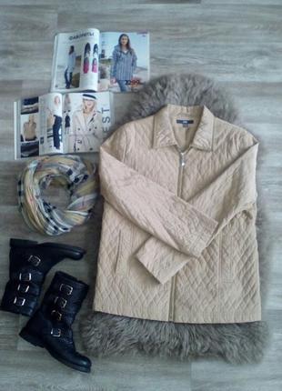 Женская актуальная куртка - весна