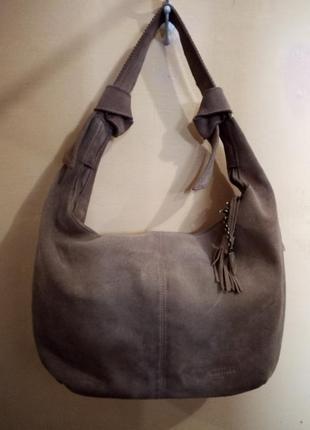 Замшевая сумка с кисточками  carpisa