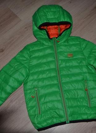 Деми курточка мальчику reserved р116 дл 48, рук40 , пог 38.