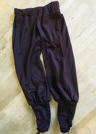 Коричневые спортивные штаны с завязками