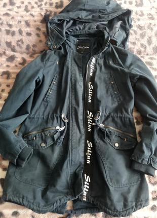 Продам подростковую курточку на мальчика
