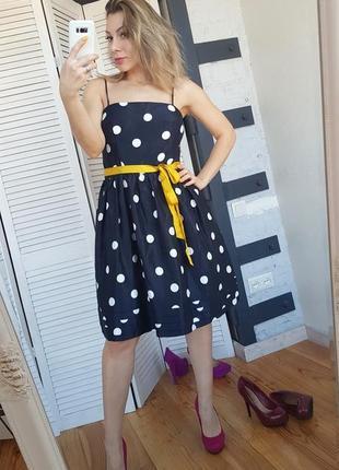 Шикарное платье в горох в стиле ретро