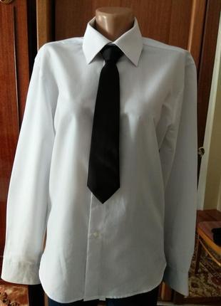 Белая школьная рубашка м