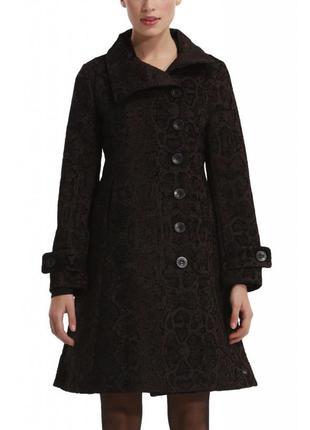 Пальто desigual. размер 36.