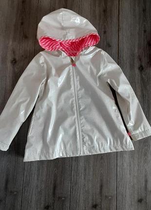 Ветровка плащ дождевик с капюшоном , белый в блёстках на возраст 5 лет  .