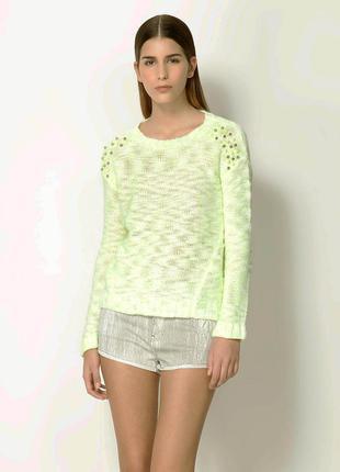 Вязаный свитер с шипами bershka, s