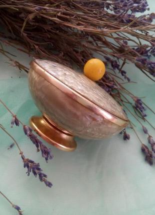 Шкатулка-пудреница металлическая с перламутровым покрытием винтаж 50-60-е