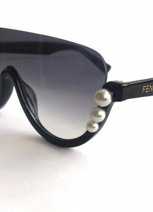 Женские очки маска fendi в черном цвете с жемчугом