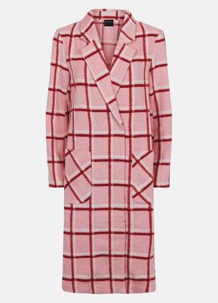 В наличии - клетчатое деми пальто актуальной длины миди *new look* 10/38 р.