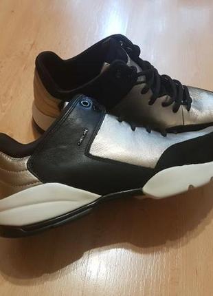 Шкіряні кросівки geox sfinge