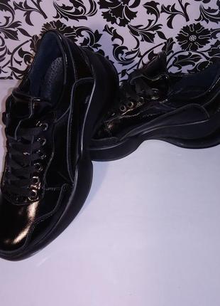 Мега качественные и удобные кроссовки
