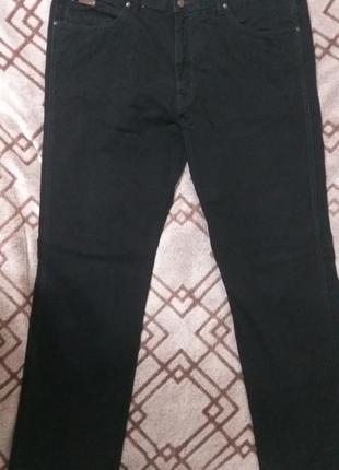 Брюки джинсовые wrangler arizona 44/34, оригинальные, состояние отличное.