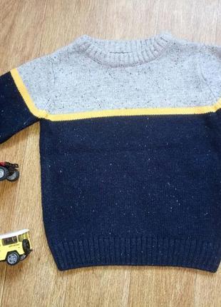 Модный красивый свитер на мальчика на рост 92-98