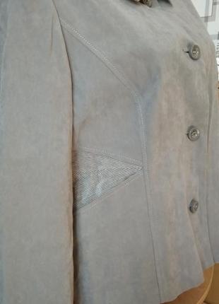 Стильная классическая курточка-жакет для дамы бальзаковского возраста, размер м/л