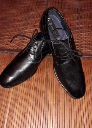 Мужские туфли фирмы bugatti