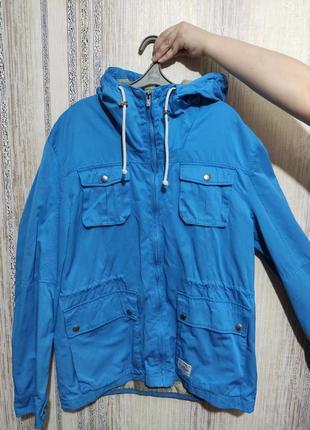 Куртка,ветровка с капюшоном(мужская)