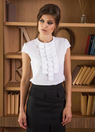 Стильная блузка с небольшими рукавчиками